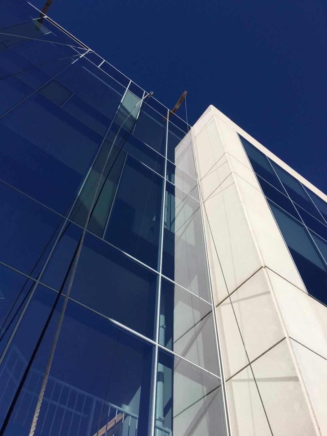 MAIN_Darden-HQ-glass-stone-office-building-Orlando-FL