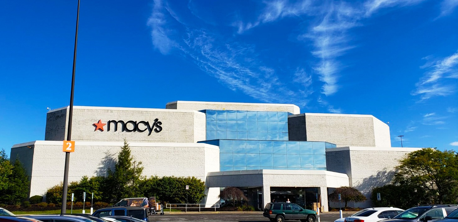 Ross Park Mall retail space in Pittsburg, PA